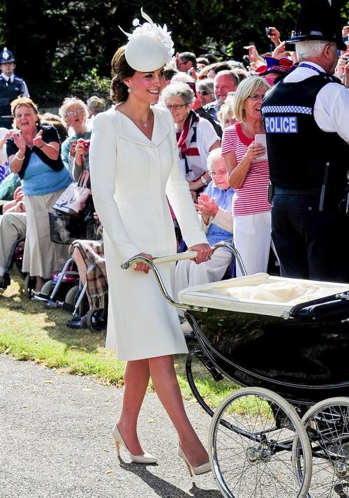 Kate Middleton Refuses More Royal Engagements After Princess Charlotte Christening - Queen Elizabeth Battles for Control?