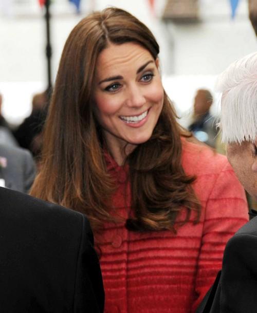 Kate Middleton Bare Bum Picture International Naked Butt Scandal - Duchess of Cambridge Hits Bottom! (PHOTOS)