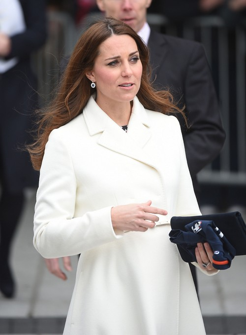 Kate Middleton Plain Pregnant Appearance Goes Without