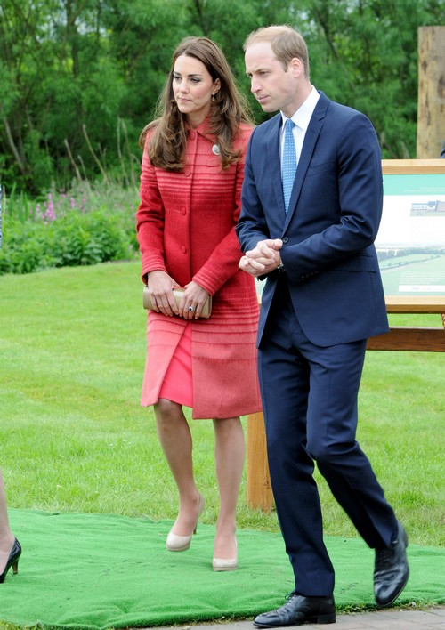 Kate Middleton Hires Female Bum Guard Detective to Protect Duchess of Cambridge Royal Bare Butt from Pics (PHOTOS)