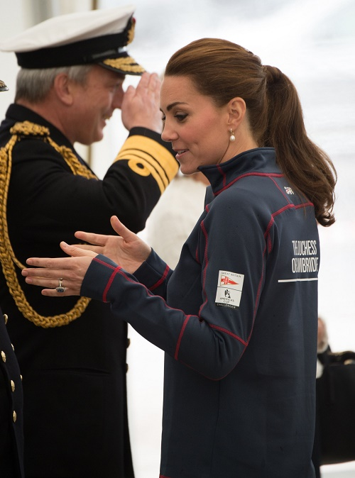 Kate Middleton Caught In Royal Battle Between Prince Charles And Carole Middleton Over Princess Charlotte & Prince George