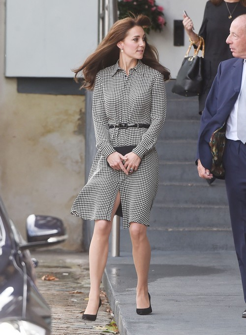 Understand Kate middleton up skirt