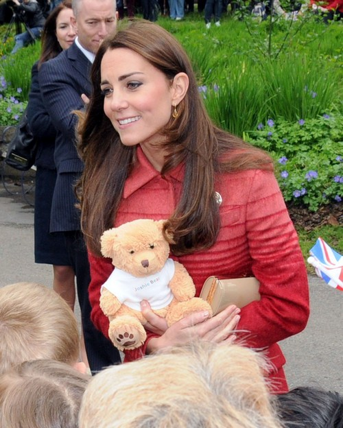 Kate Middleton Pregnant: Pregnancy News Intentionally Leaked to Distract from Bare Bum Scandal