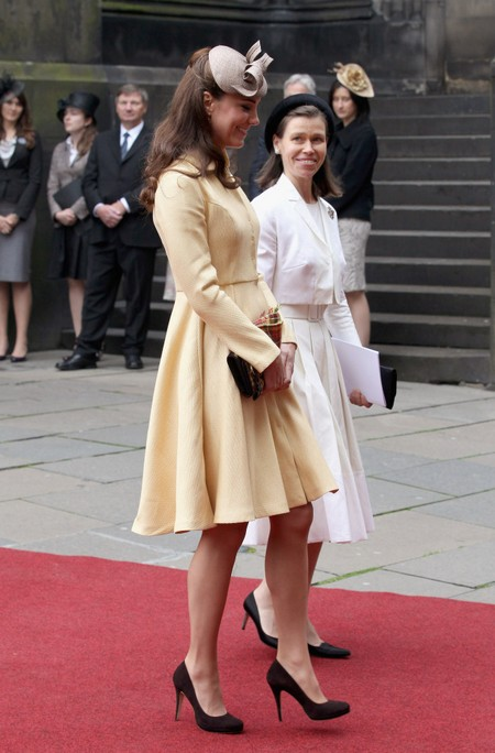 Kate Middleton Hides Baby Bump (Photos)