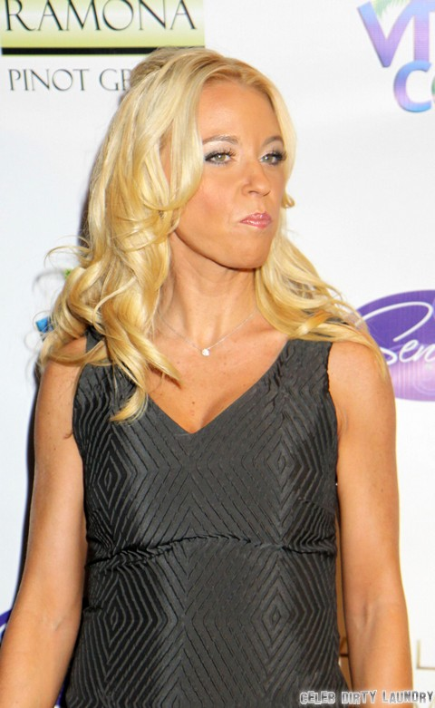 Kate Gosselin Pretends Like She's Busy With Kids But Spending All Her Time On Twitter