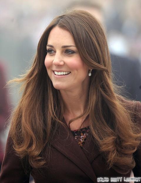 Kate Middleton Pulls a Justin Bieber – Keeps Poor Grimsby People Waiting