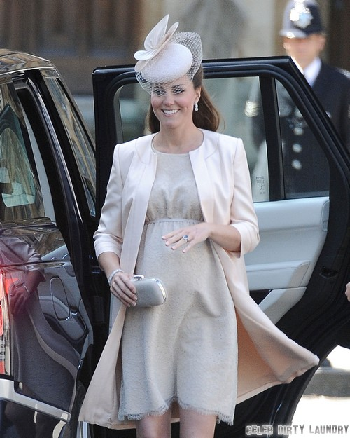 Kate Middleton and Prince William Waiting For Labor and Ambulence Ride To Hospital At Kensington Palace - Final Stages of Pregnancy (VIDEO)