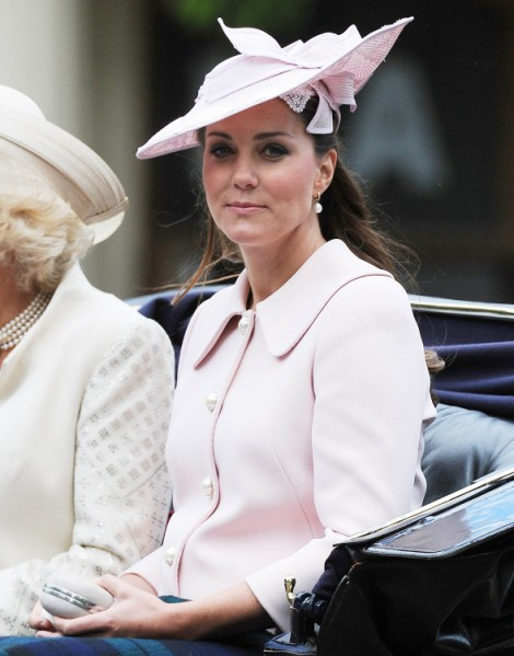 Kate Middleton Using Royal Baby To Deflect Massive Spending On Vacations, Clothes 0628