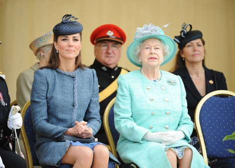 Kate Middleton Baby Due Soon, Queen Elizabeth Wants It Before She Leaves For Vacation! 0717