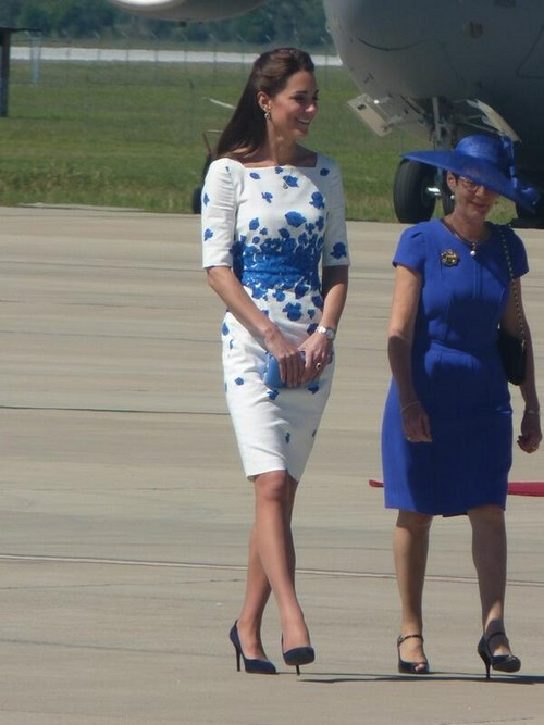 Kate Middleton Beats Camilla Parker-Bowles At Impressing Queen Elizabeth - NEW AUSTRALIA PHOTOS