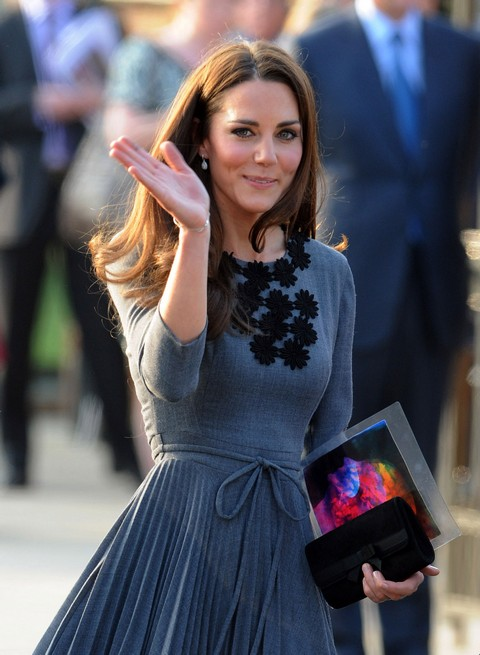 Pregant Kate Middleton Collapses From Exhaustion Preparing For Public Appearance