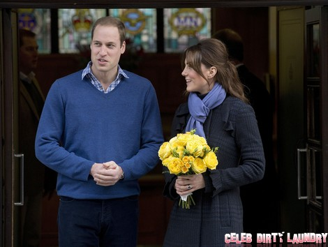 Kate Middleton and Prince William Leave Hospital and Return Home - Prince Charles Cheers (Video-Photos)