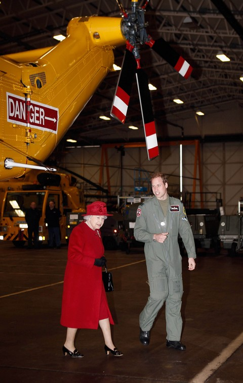 Kate Middleton Miscarriage Risk Due To Stress For Prince William Safety, Will He Choose Dangerous Job Over Baby?
