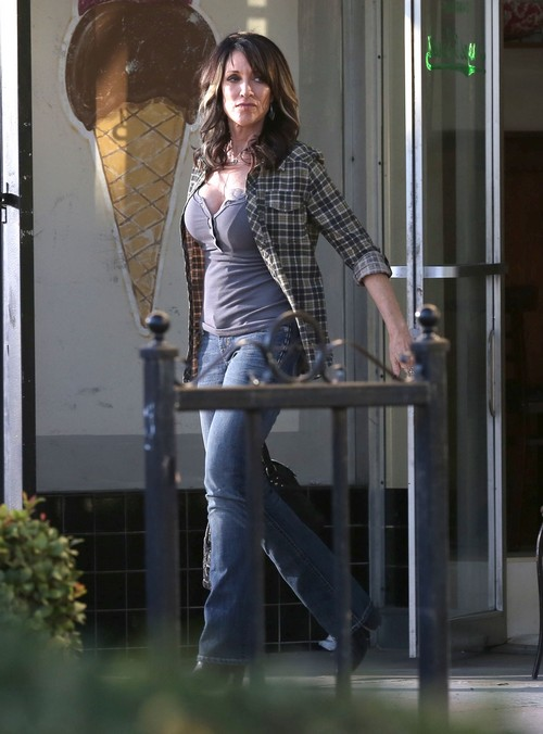 Katey Sagal Snubs Geena Davis on Live Television: Geena Flips Out after Insult!