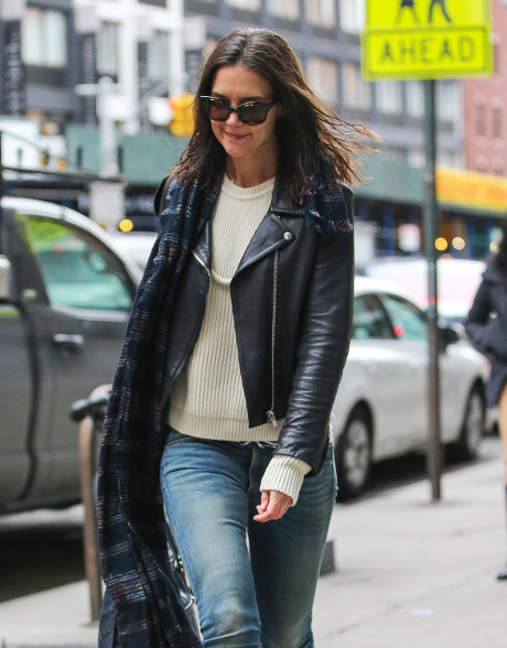 Katie Holmes Dating Jason Segal - And He's Already Bonded With Suri Cruise!