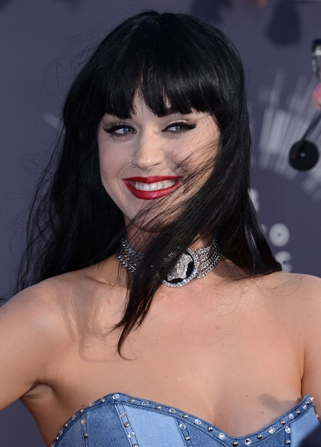 "Katy Perry Attacks Taylor Swift On Twitter After Taylor Calls Katy An ""Enemy"""