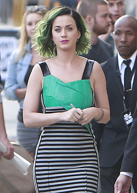 Beyonce Begins Diva War With Katy Perry Because She's Dying Of Jealousy - Katy's The New Queen Of Pop!