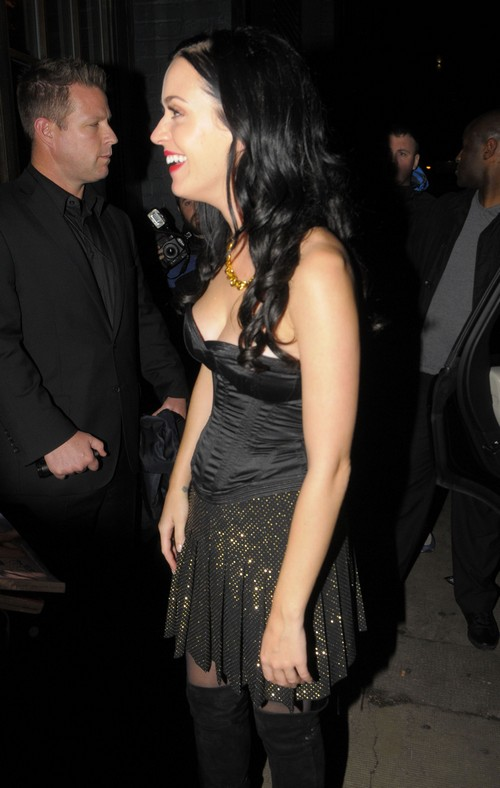 Katy Perry Denies Robert Pattinson Romance But Admits They Are Friends With Benefits