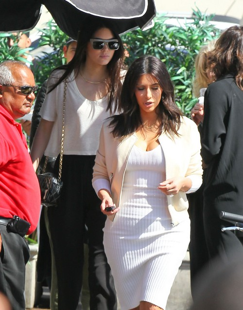 """Kendall Jenner Drops Last Name - Embarrassed by Bruce Jenner's Sex Change - Goes By """"Kendall"""" Now"""