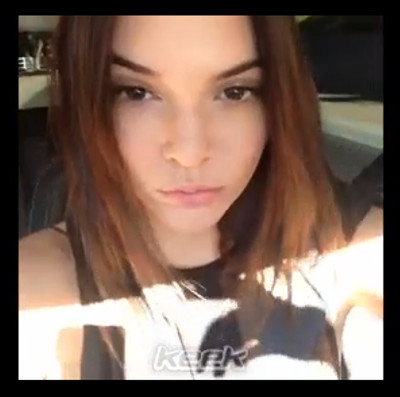 kendall_jenner_selife_driving