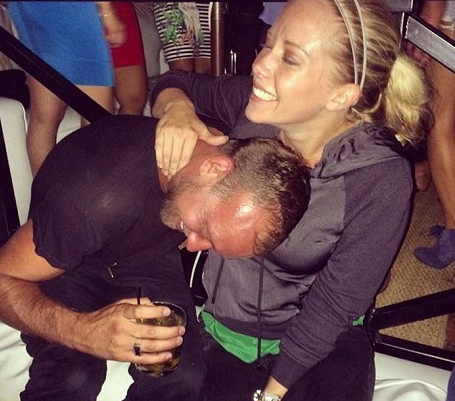 Kendra Wilkinson Divorce: Split From Hank Baskett - Kendra Cheating - Partying Without Hank (PHOTO)