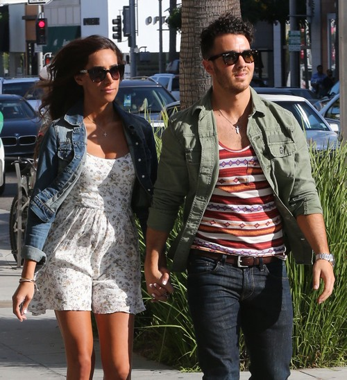 Kevin Jonas And Danielle Jonas Plan Fake Miscarriage To Deal With Fake Pregnancy