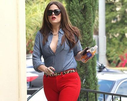 Khloe Kardashian Working Dallas With Toy Drive