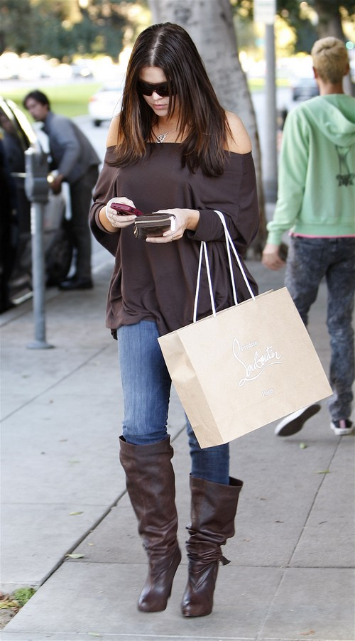 Kim Kardashian Shopping At Burberry