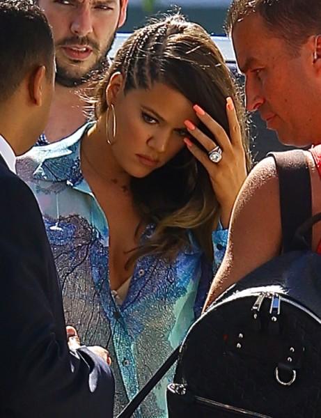 Khloe Kardashian Ignores Cheating Lamar Odom Divorce Rumors, Is She In Denial Or Embarrassed? 0711