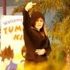 khloe_kardashian_finger