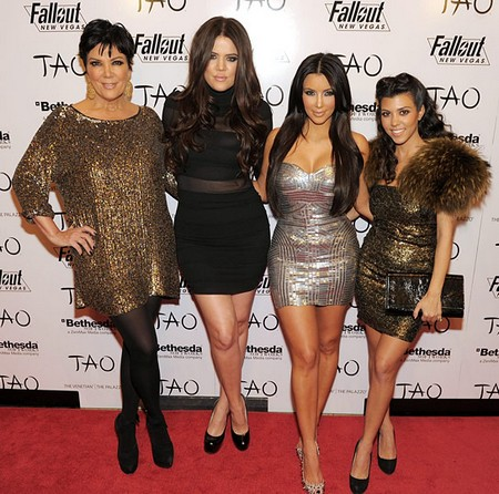 Khloe Kardashian Confirms Kris Jenner Is An Alcoholic, Mom Is Always Drunk (Video)