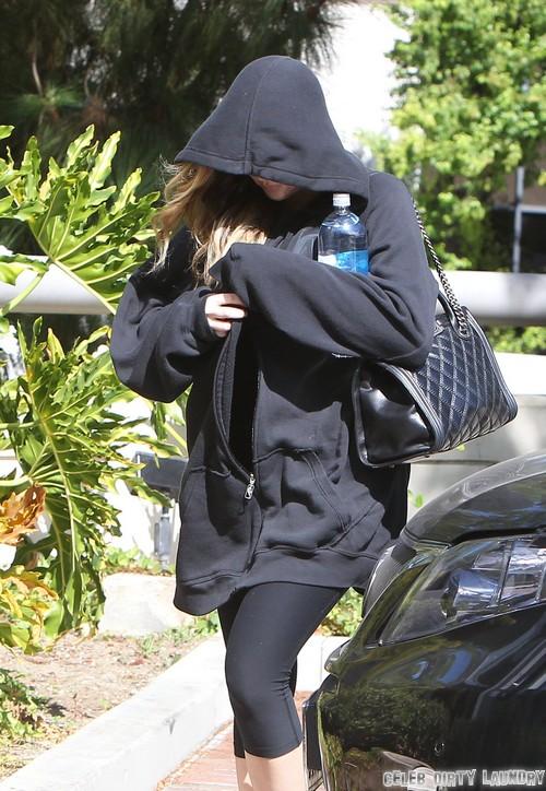 "Khloe Kardashian Throws Lamar Odom Out: Issues ""Rehab or Divorce"" Ultimatum"