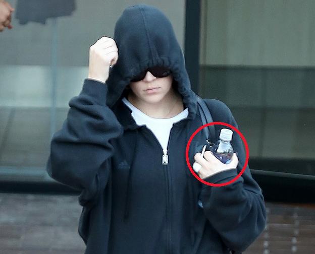 Khloe Kardashian Wedding Ring OFF - Lamar Odom Divorce Moves Ahead - Khloe Hates The Cheater! (PHOTO)