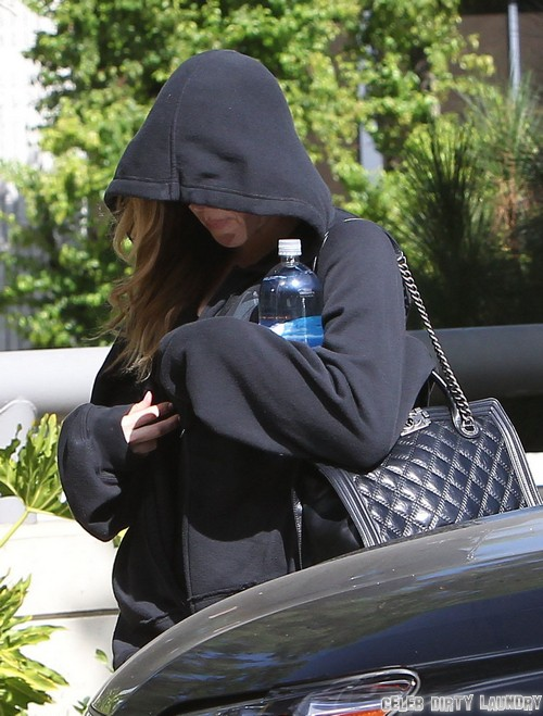 Khloe Kardashian and Lamar Odom Divorce Imminent - Wedding Ring Off and Moving Van Outside