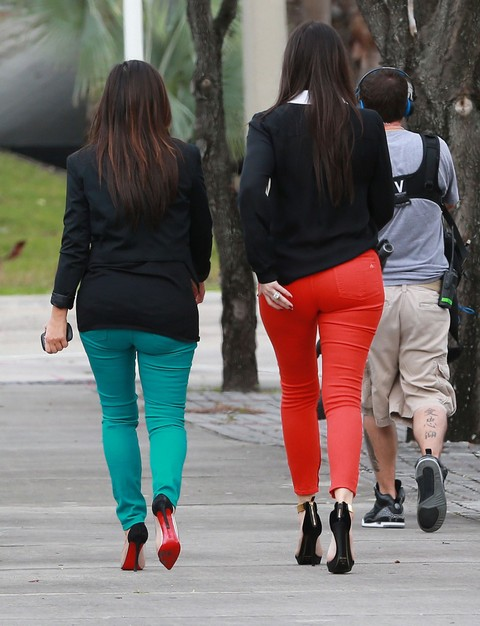 Kim Kardahsian and Khloe Kardashian-Odom Booty Call - Display Their Massive ASSets (Photos)