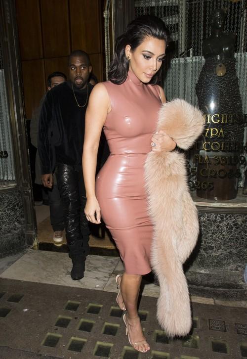 Kim Kardashian Divorce: Kanye West's Craziness Keeps Her Relevant, Ignores Kris Jenner, Won't Break Up?
