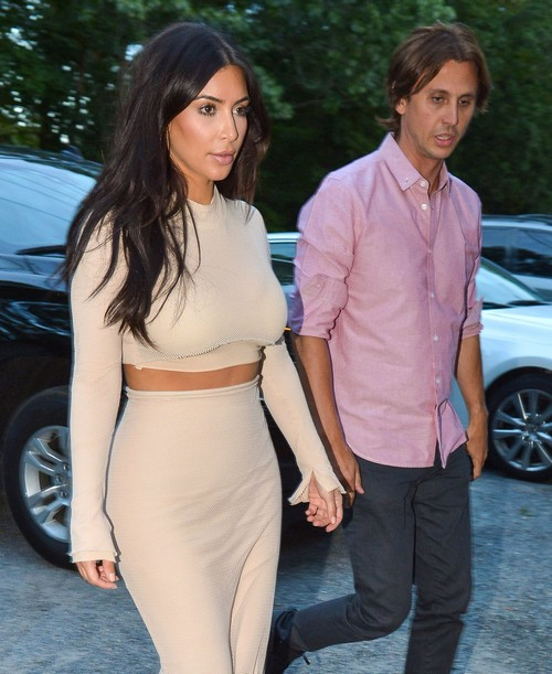 The Kardashian Clan Out For Dinner In Southampton