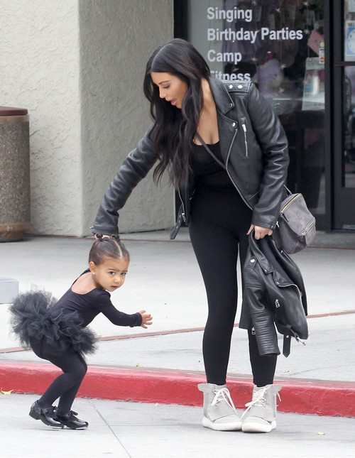 Kim Kardashian Divorce: Kanye West Surrogate Mother Shopping Without Kim's Consent – Wants Baby, Kimye Can't Get Pregnant