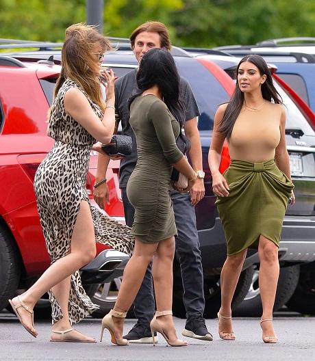 The Kardashian Clan Films At Duck Walk Vineyards