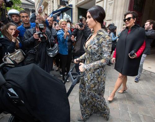Jennifer Aniston Hates Kim Kardashian Over Hair-Stylist Wedding Feud (PHOTOS)