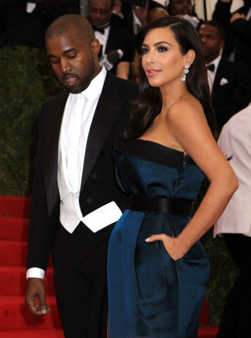 Kim Kardashian Pregant with Baby Bump at Met Gala? (PHOTOS)