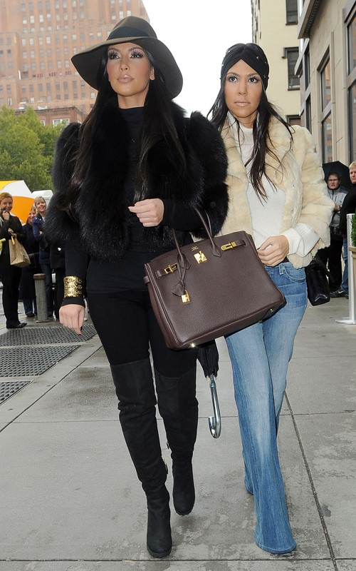 Kourtney & Kim Kardashian Take New York [PHOTOS]