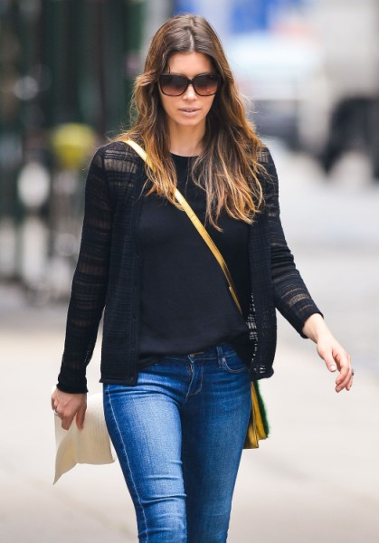 Jessica Biel Pregnant, Asking Stylist For Bigger Clothes To Hide Her Bump 0628