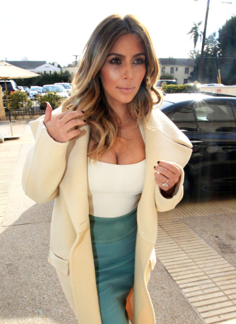 Kim Kardashian Indulges in a Shopping Day at Barneys - Leaves Baby North West Behind Again? (PHOTOS)
