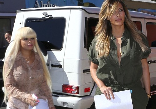 Kim Kardashian Dumps Khloe Kardashian For New BFF Blac Chyna - Sister is Heartbroken (VIDEO)