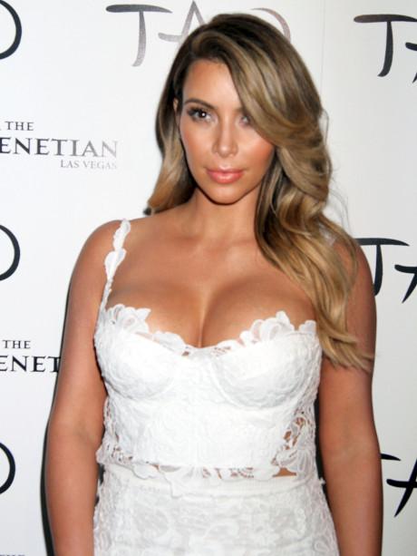 kim_kardashian_ellen_kardashian_8