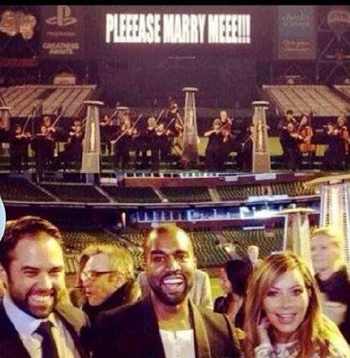 "Kim Kardashian and Kanye West Say ""No Prenup"" - Kris Jenner Demands One!"