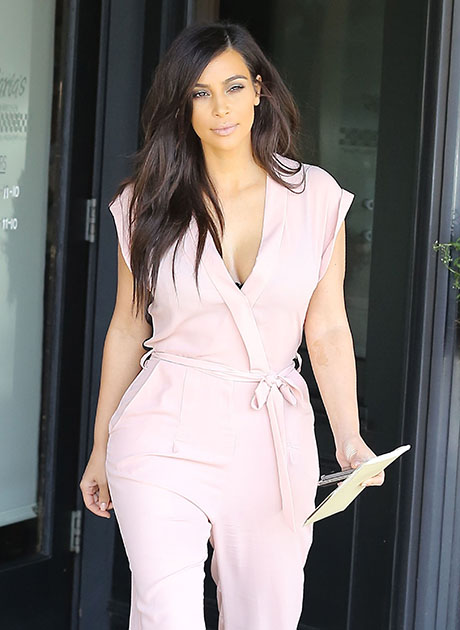 Kim Kardashian Shoots Down All The Pre-Wedding Rumors About her Marriage To Kanye West In A Series Of Blunt Tweets!