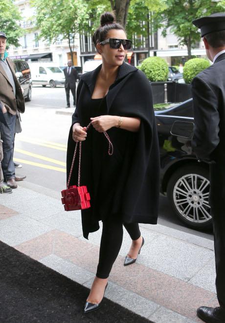 Kim Kardashian & Khloe Kardashian: Pregnancy, Weight, Men -- A Never Ending Battle of Grudges!