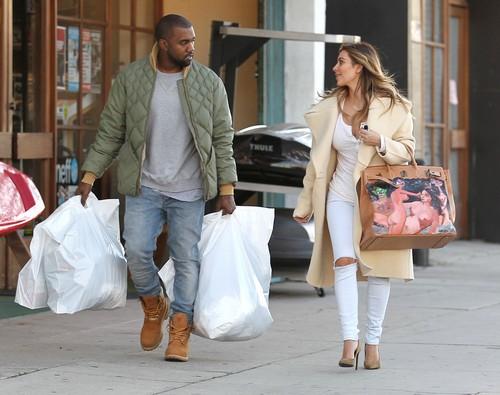 """Kim Kardashian Marriage Fight With Kanye West: Kim Wants To Be a """"Kardashian-West"""""""